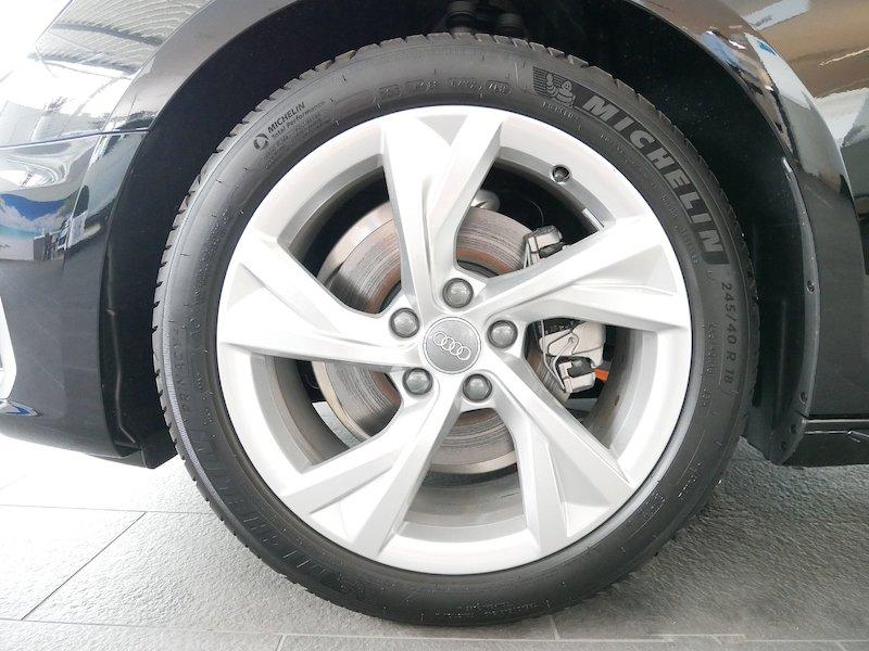 Audi A4 Avant 35 TDI S line S tronic - NOVI MODEL6