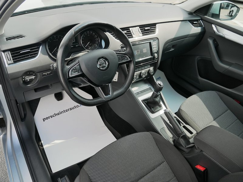 Škoda Octavia Combi 2.0 TDI Ambition - SLOVENSKO VOZILO11
