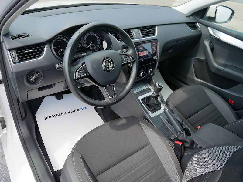 Škoda Octavia Combi 1.6 TDI Ambition - SLOVENSKO VOZILO11