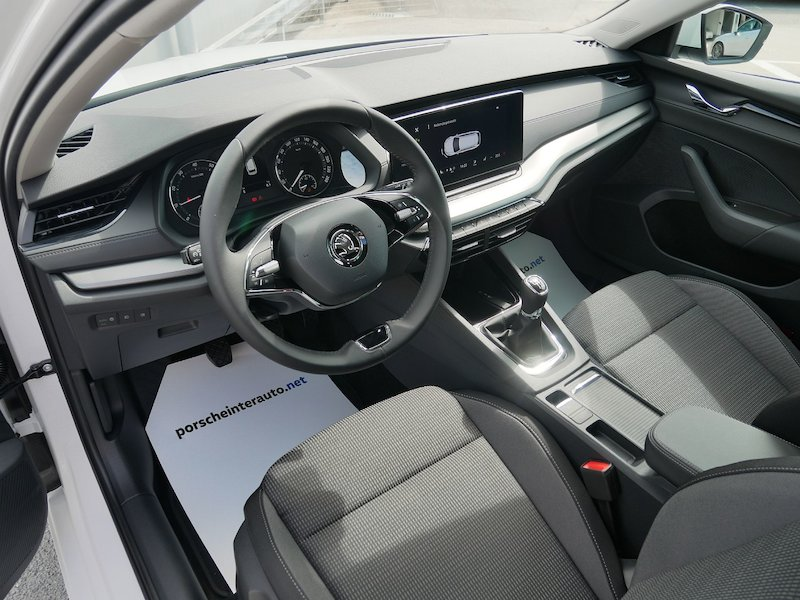 Škoda Octavia Combi 1.5 TSI Ambition - NOVI MODEL11