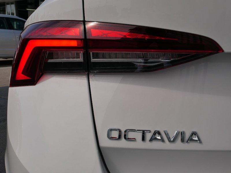 Škoda Octavia Combi 1.5 TSI Ambition - NOVI MODEL18
