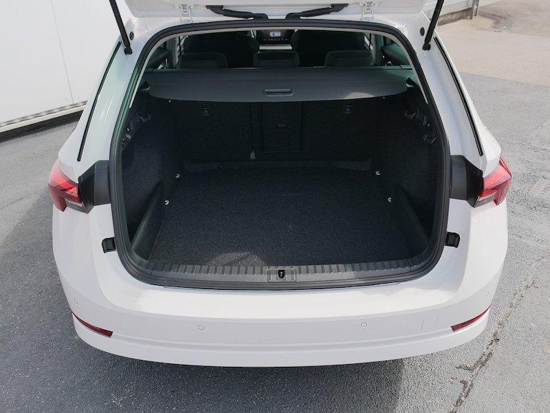 Škoda Octavia Combi 1.5 TSI Ambition - NOVI MODEL10