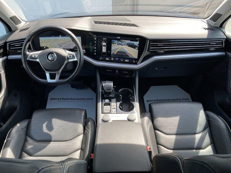 Volkswagen Touareg 4motion V6 TDI R-Line Tiptronic12