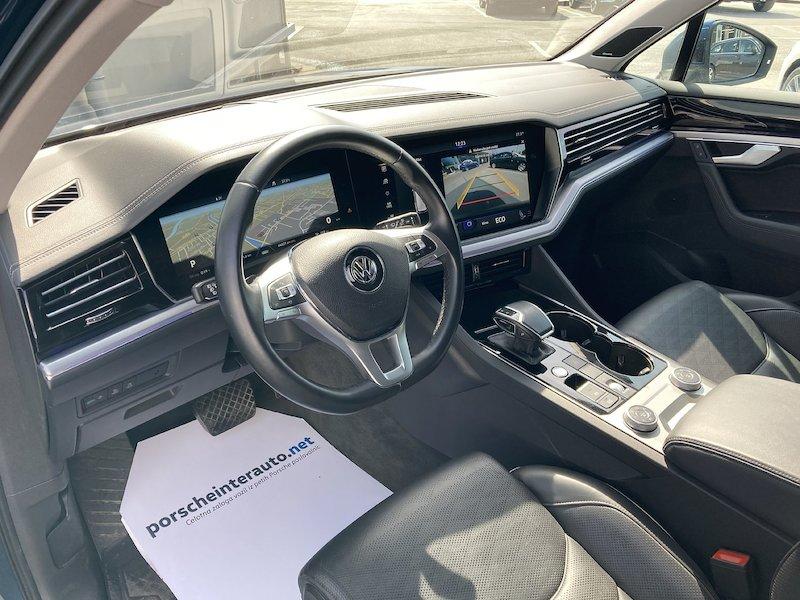 Volkswagen Touareg 4motion V6 TDI R-Line Tiptronic10