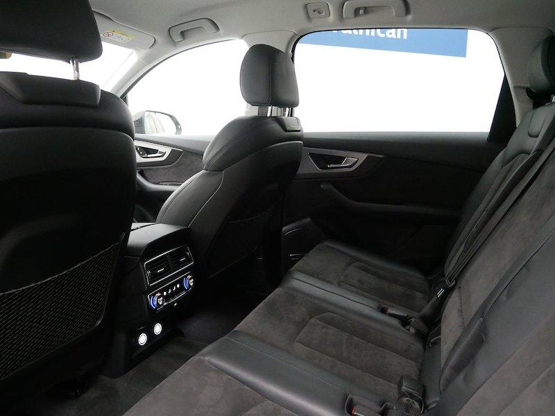 Audi Q7 quattro 3.0 TDI Tiptronic12