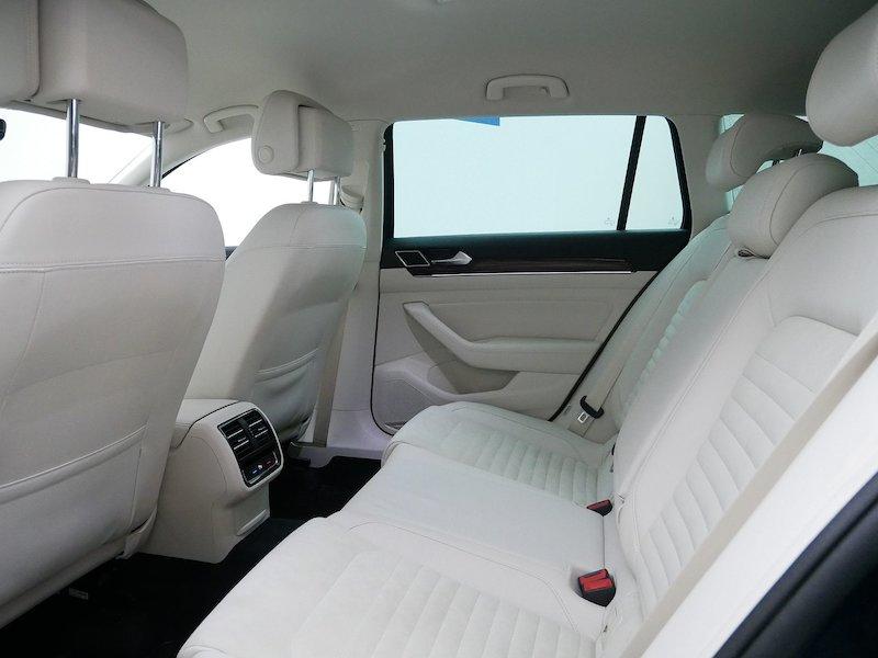 Volkswagen Passat Variant 2.0 TDI BMT Highline10