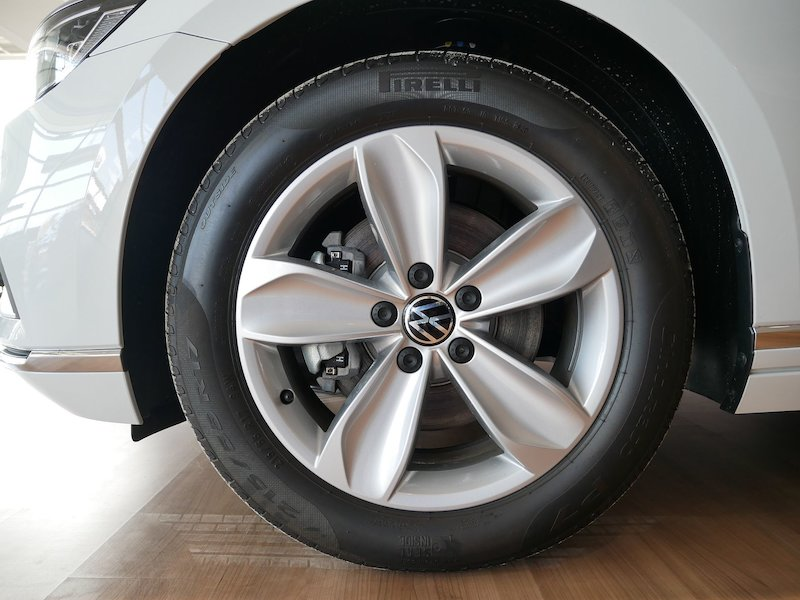 Volkswagen Passat Variant 2.0 TDI BMT SCR Elegance DSG - FACELIFT6