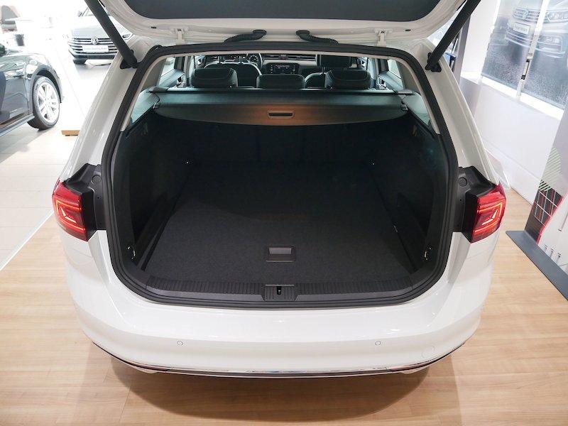 Volkswagen Passat Variant 2.0 TDI BMT SCR Elegance DSG - FACELIFT7