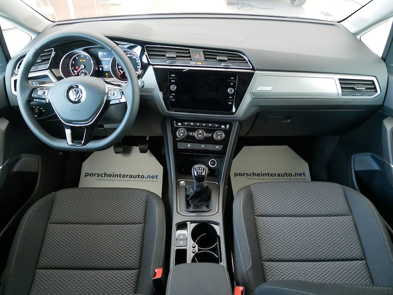 Volkswagen Touran 1.5 TSI BMT Family11