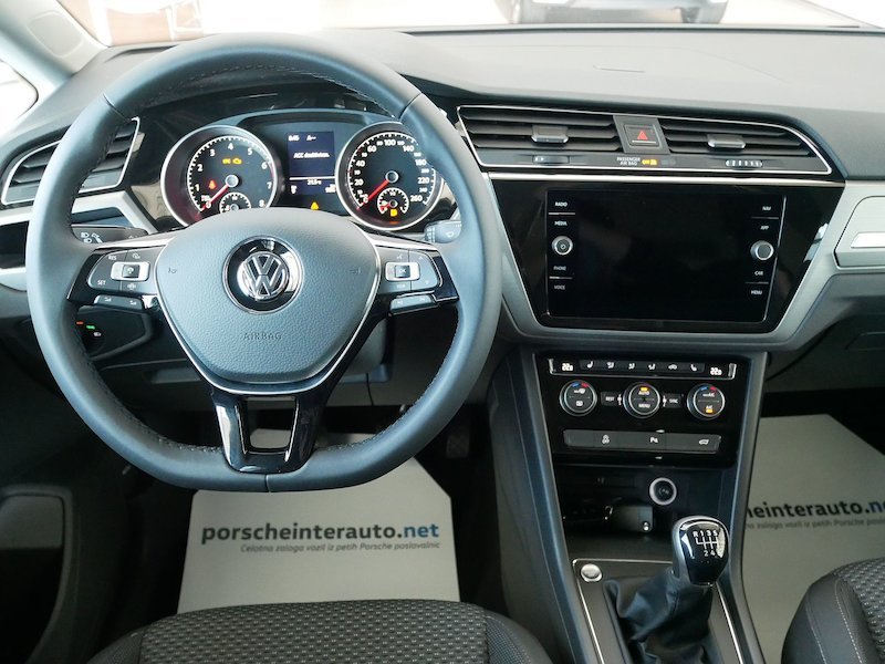 Volkswagen Touran 1.5 TSI BMT Family12