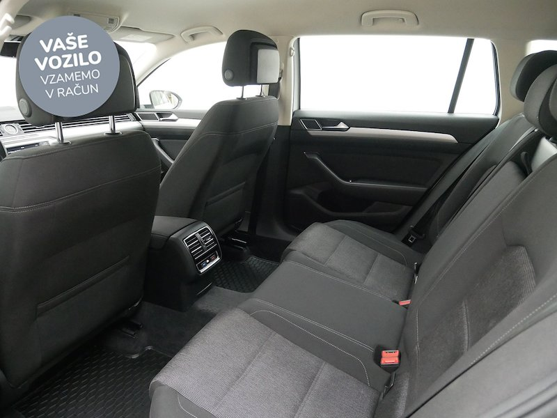 Volkswagen Passat Variant 2.0 TDI Comfortline - SLOVENSKO VOZILO12