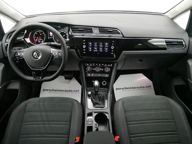 Volkswagen Touran 2.0 TDI BMT R-Line Edition DSG11
