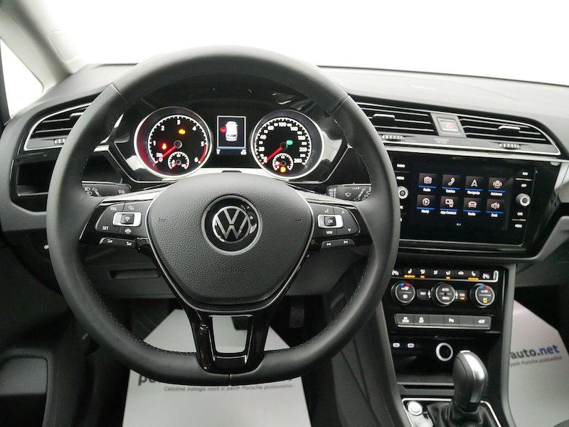 Volkswagen Touran 2.0 TDI BMT R-Line Edition DSG12