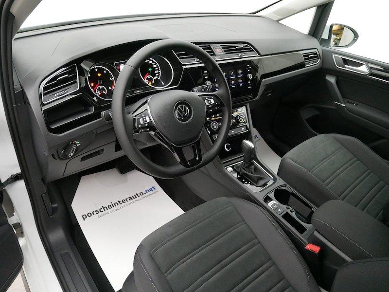 Volkswagen Touran 2.0 TDI BMT R-Line Edition DSG9