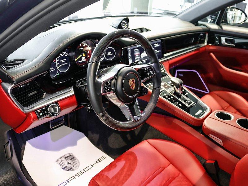 Porsche Panamera 4 E-Hybrid PDK9