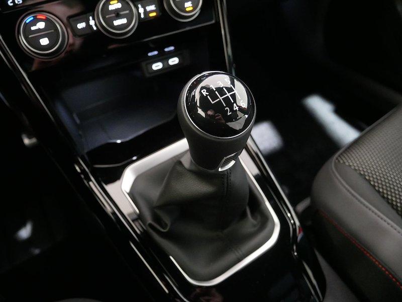 Volkswagen T-Roc 2.0 TDI BMT Sport17