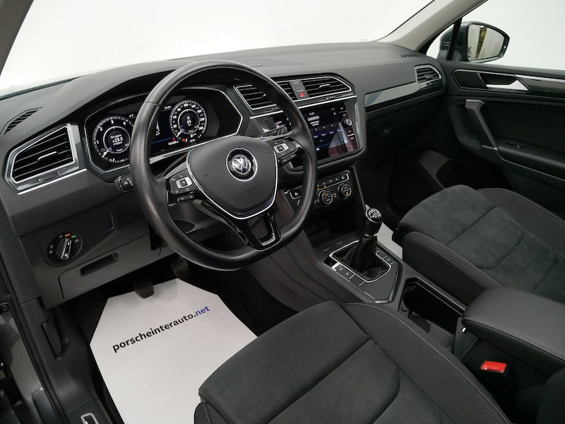 Volkswagen Tiguan 2.0 TDI BMT Highline11