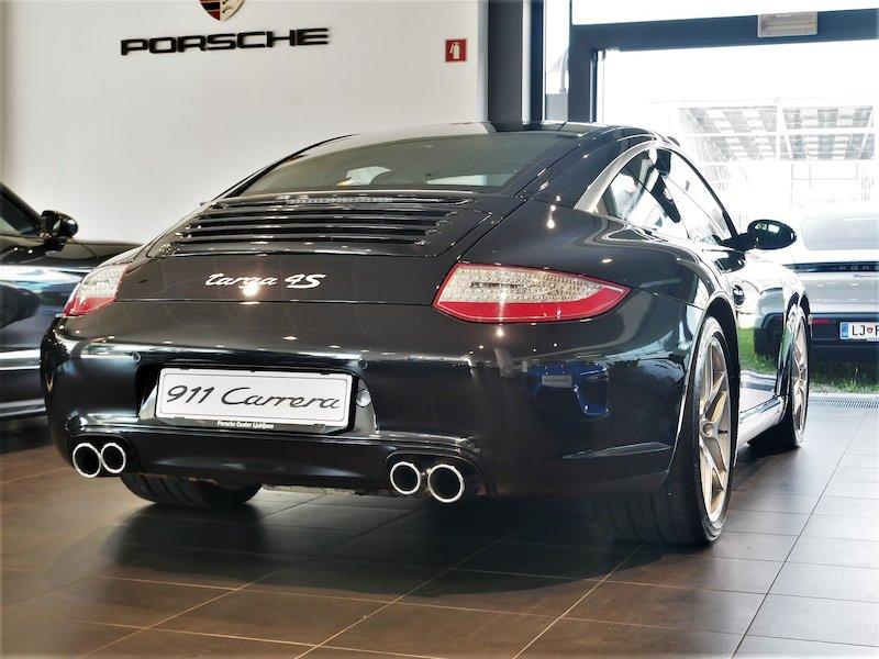 Porsche 911 Targa 4S Coupe4
