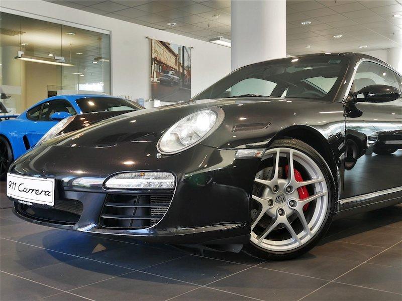 Porsche 911 Targa 4S Coupe5