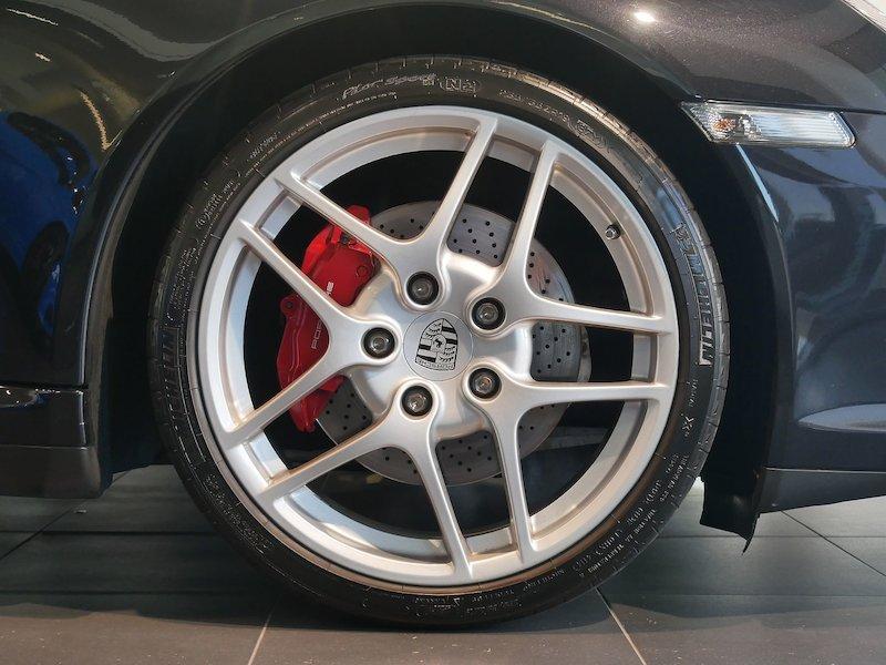 Porsche 911 Targa 4S Coupe6