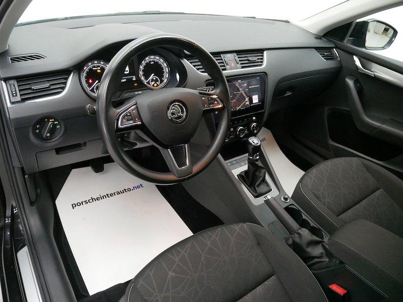 Škoda Octavia Combi 4x4 2.0 TDI Ambition11