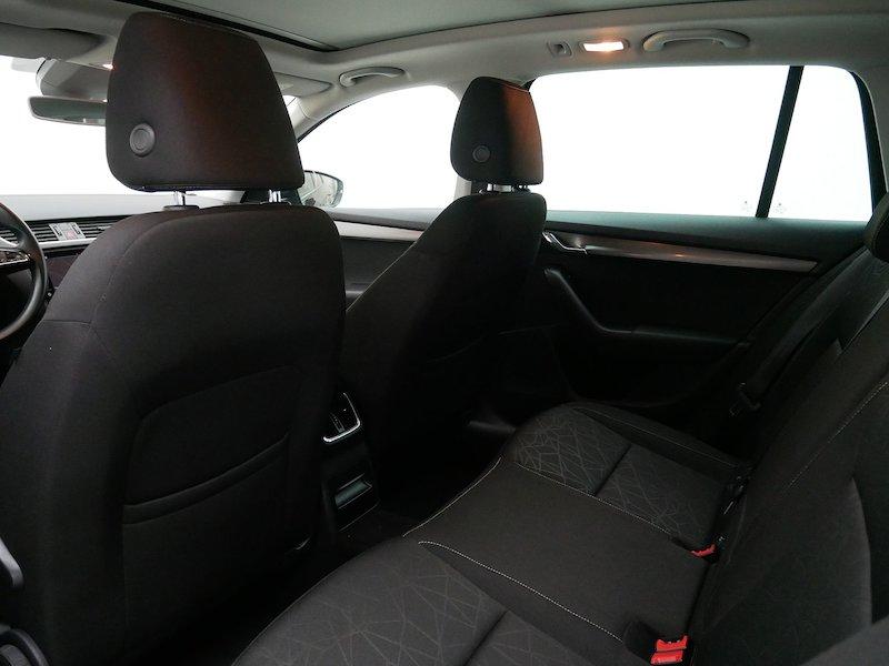 Škoda Octavia Combi 4x4 2.0 TDI Ambition12