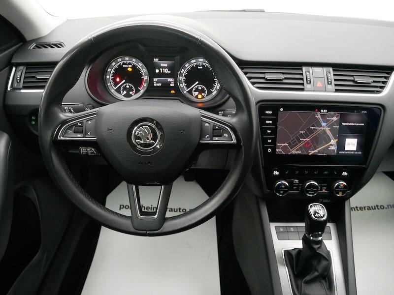 Škoda Octavia Combi 4x4 2.0 TDI Ambition14