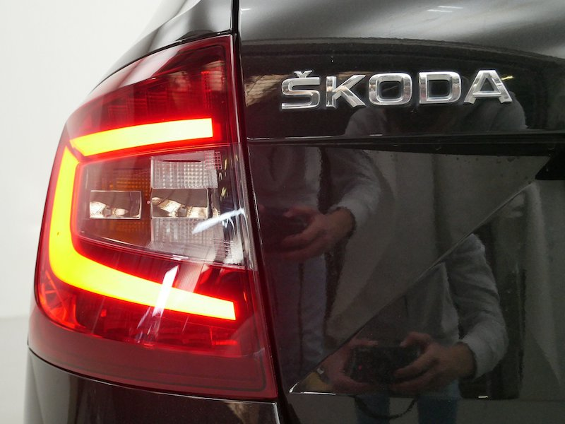 Škoda Octavia Combi 4x4 2.0 TDI Ambition18