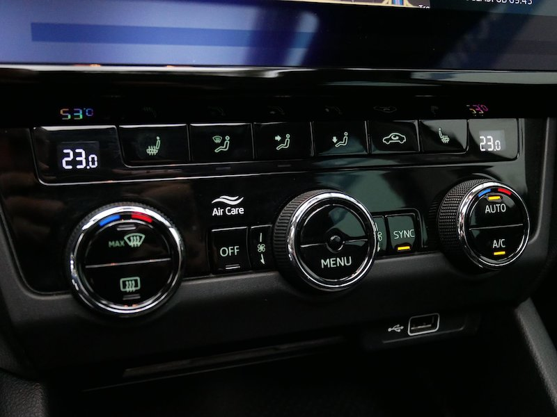 Škoda Octavia Combi 4x4 2.0 TDI Ambition20