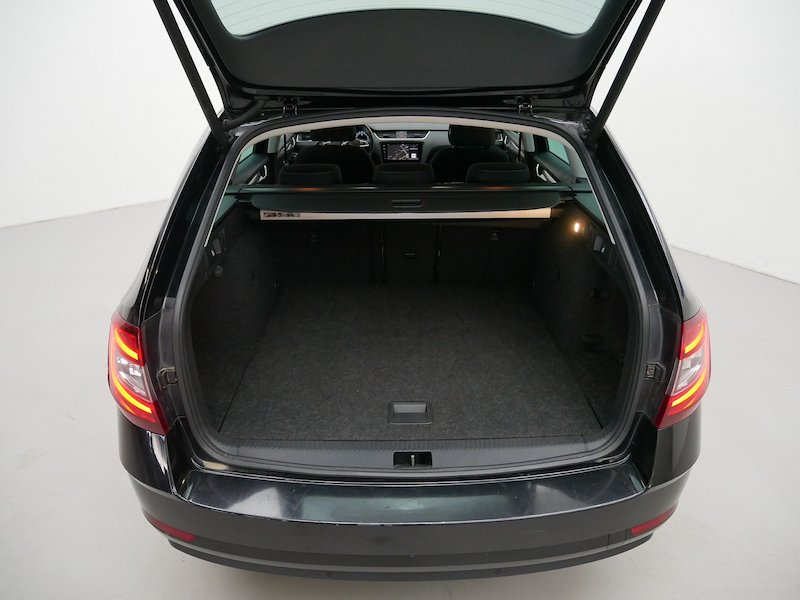 Škoda Octavia Combi 4x4 2.0 TDI Ambition10