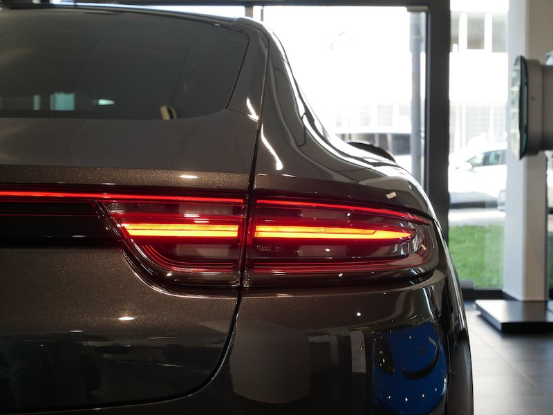 Porsche Panamera 4 E-Hybrid PDK18
