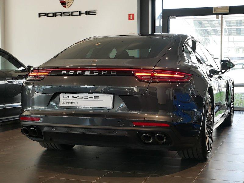 Porsche Panamera 4 E-Hybrid PDK4