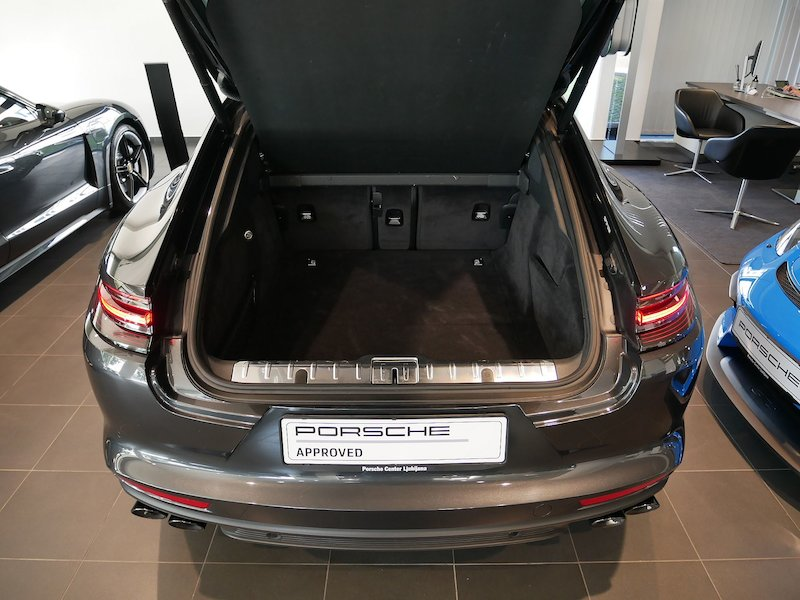 Porsche Panamera 4 E-Hybrid PDK8