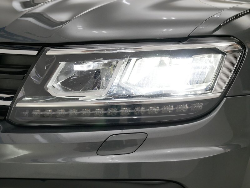 Volkswagen Tiguan 4motion 2.0 TDI BMT R-Line Edition DSG19