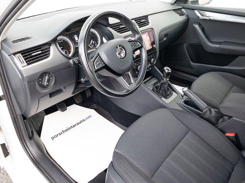 Škoda Octavia Combi 1.6 TDI Style - SLOVENSKO VOZILO11