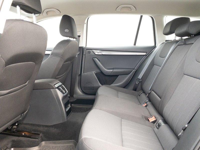 Škoda Octavia Combi 1.6 TDI Style - SLOVENSKO VOZILO12