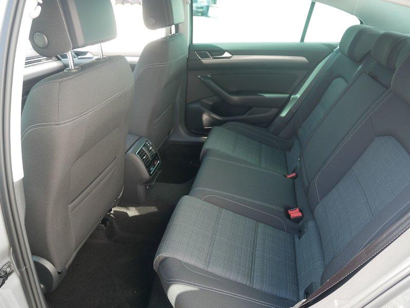 Volkswagen Passat 2.0 TDI BMT SCR Business DSG10