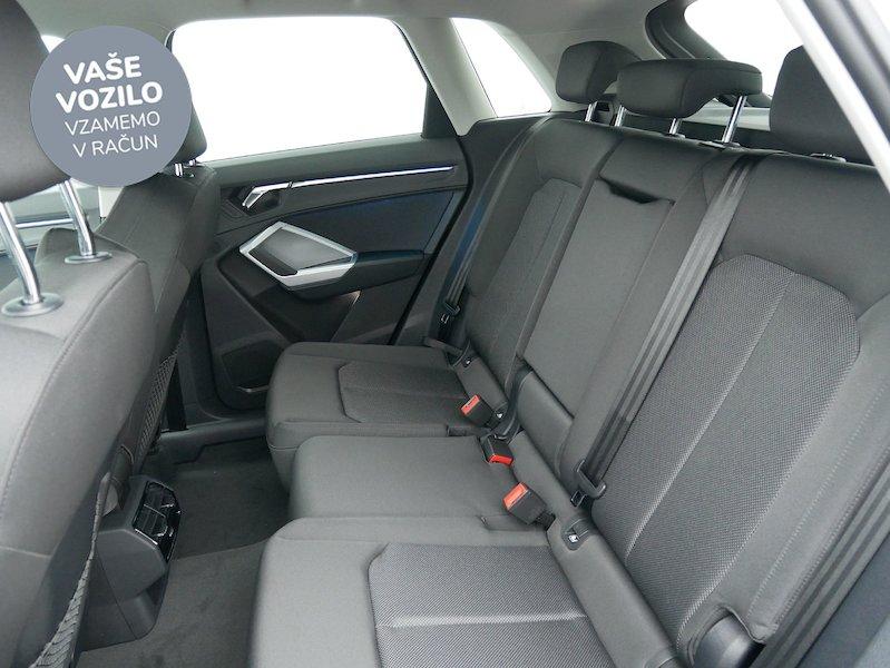 Audi Q3 35 TDI S line S tronic - SLOVENSKO VOZILO12