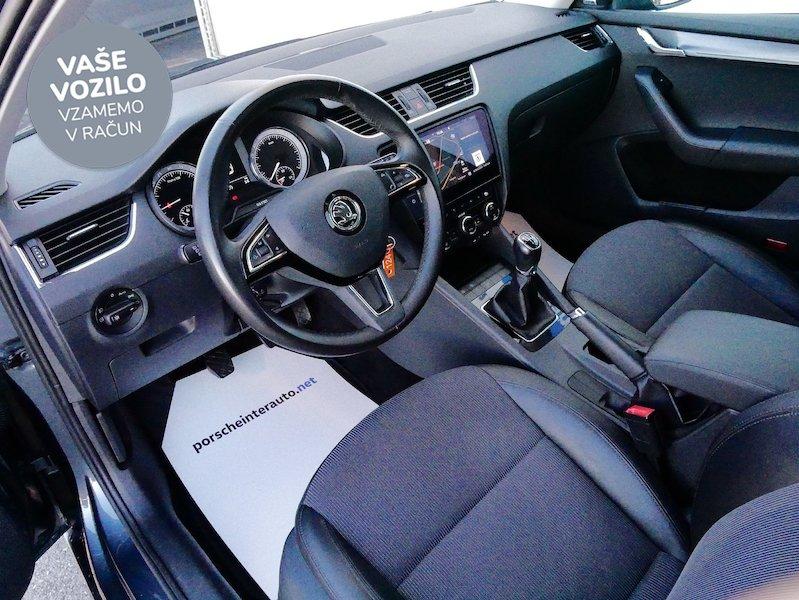 Škoda Octavia Combi 2.0 TDI Style11