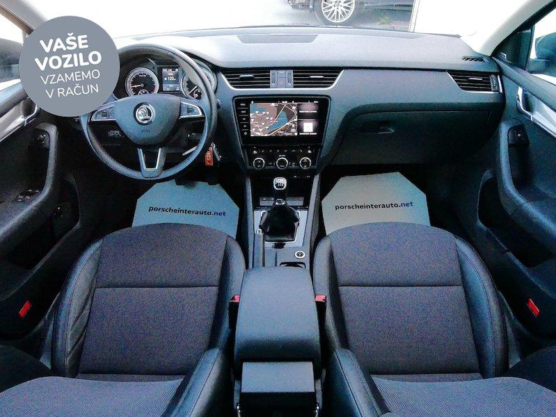 Škoda Octavia Combi 2.0 TDI Style13