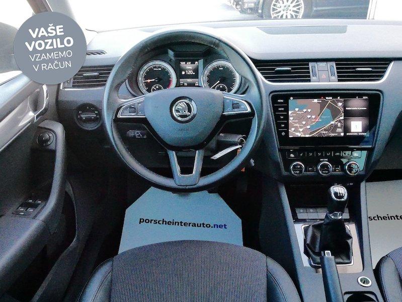 Škoda Octavia Combi 2.0 TDI Style14