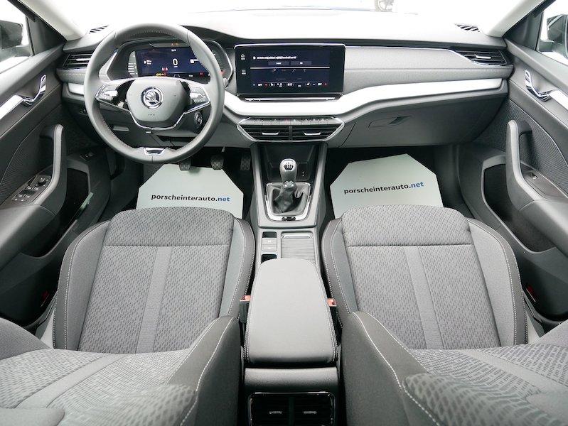 Škoda Octavia Combi 1.5 TSI Style11