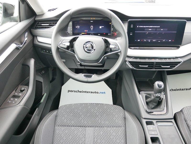 Škoda Octavia Combi 1.5 TSI Style12
