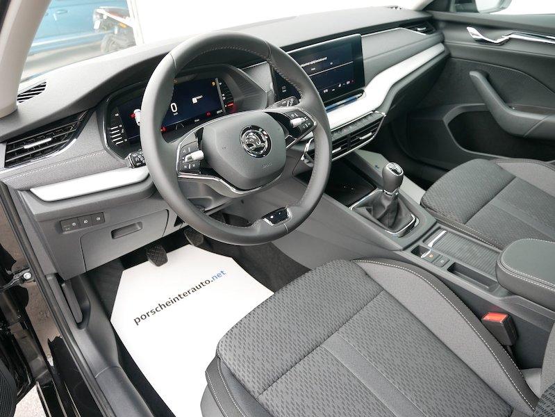 Škoda Octavia Combi 1.5 TSI Style9