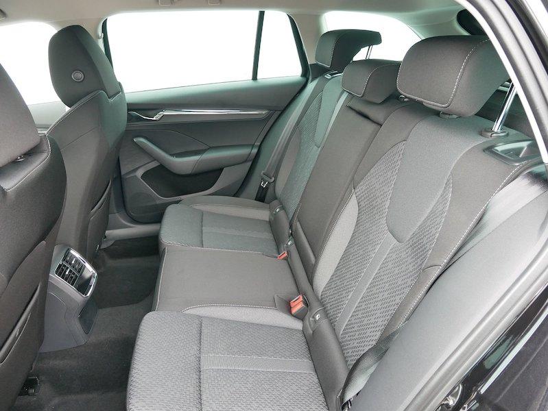 Škoda Octavia Combi 1.5 TSI Style10