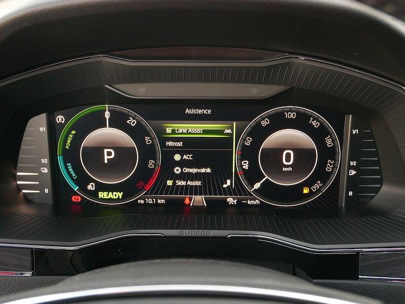 Škoda Superb Combi iV 1.4 TSI Style DSG - SLOVENSKO VOZILO15