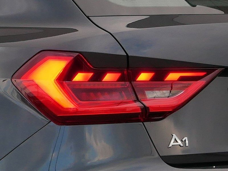 Audi A1 Sportback 25 TFSI Advanced S tronic18
